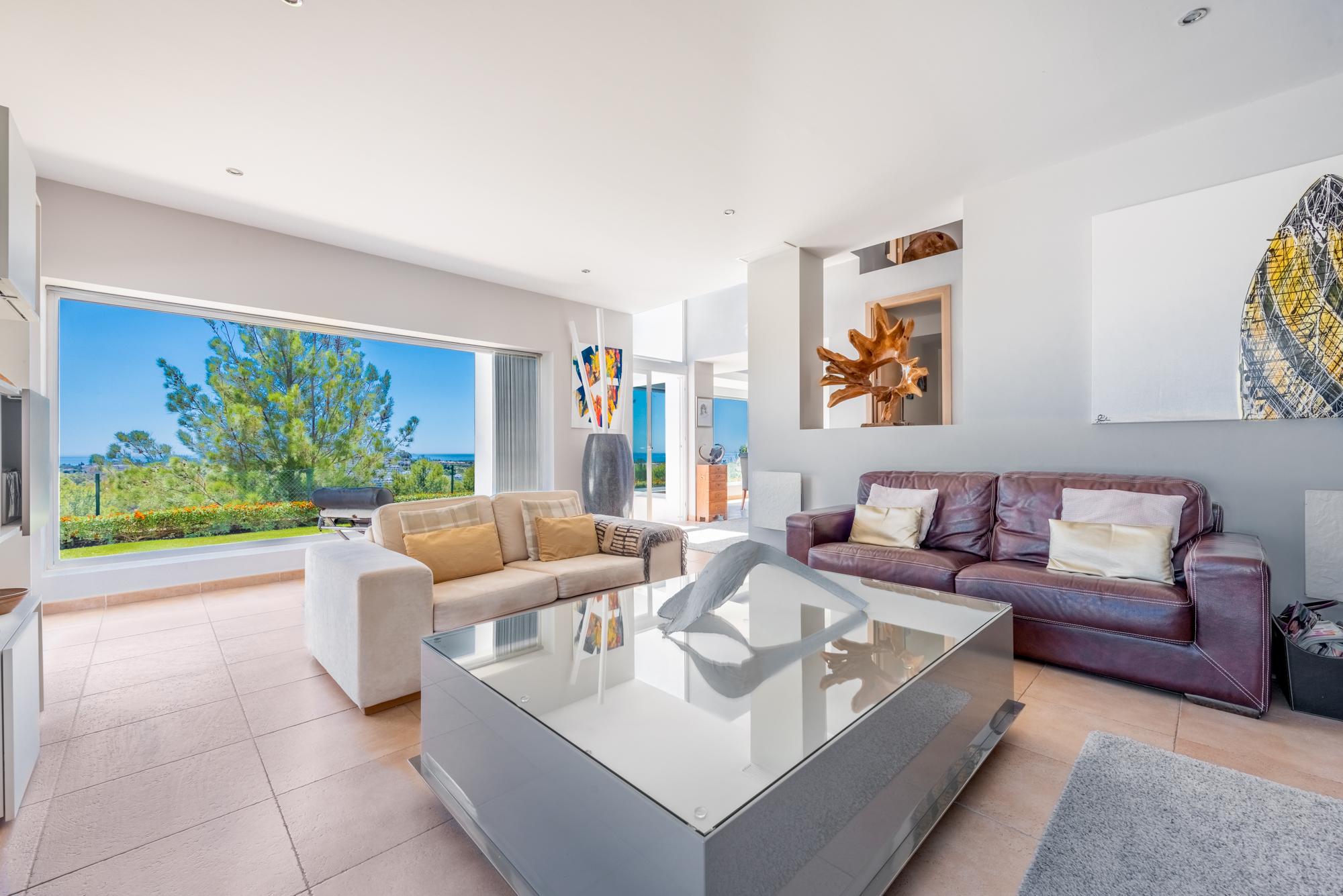 benahav s haus 4 schlafzimmer 247 m mimove. Black Bedroom Furniture Sets. Home Design Ideas